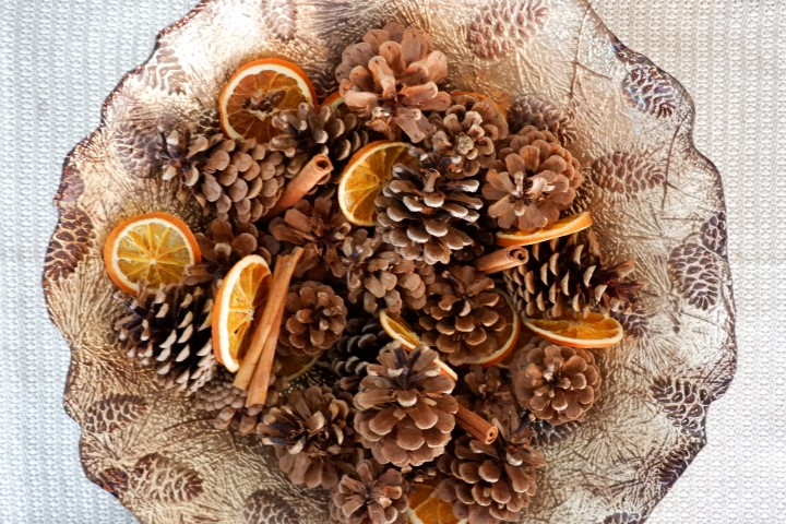 DIY: Festive Fruit & NutPotpourri
